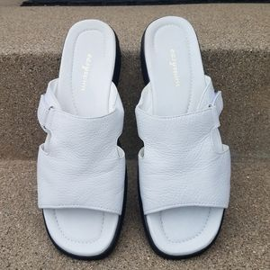 EASY SPIRIT White Leather Sandals - Size 9.5 Mint
